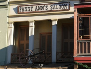 Fanny Anns Saloon in Old Sac