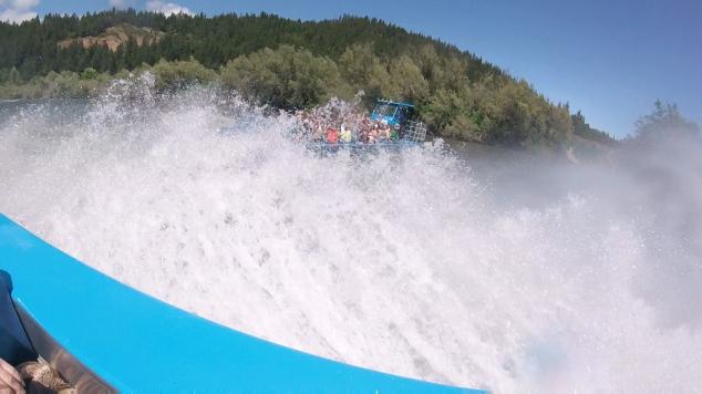 Hellgat Jet Boat Splash