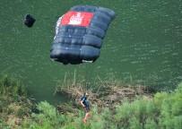 Base Jumper 2 landing