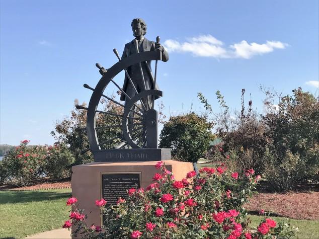 mark-twain-statue