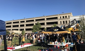 tailgate-lawn