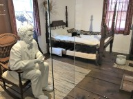 twain-bedroom