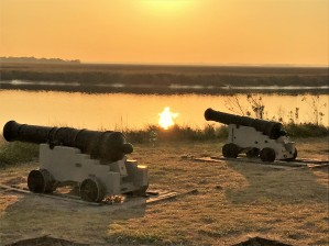 fort-frederica-cannons-sunset