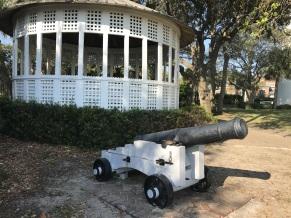 fort-st-simons-canon-and-gazebo